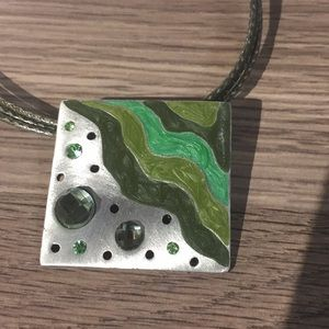 """Necklace shades of green 18 1/2"""""""